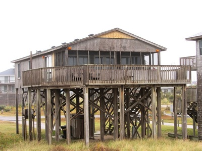 Beach vacation rentals at hatteras north carolina for Hatteras cabins rentals